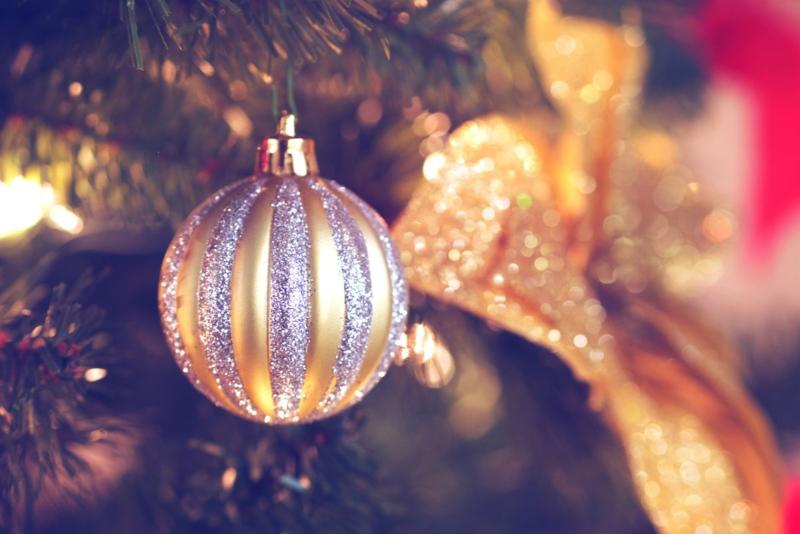 Tree ornament bow
